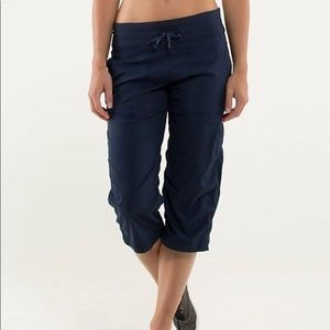 Lululemon Studio Crop Cadet Blue Capri pants 8